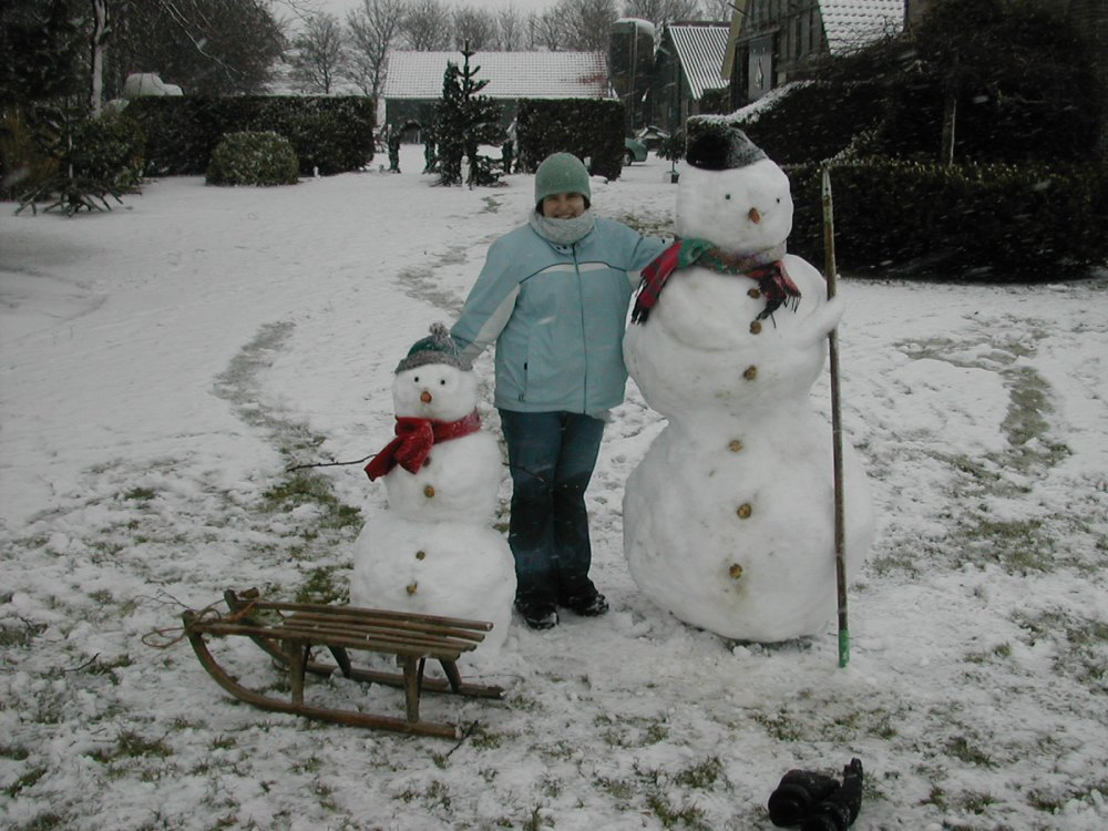 Snowmen by Emma Line.jpg